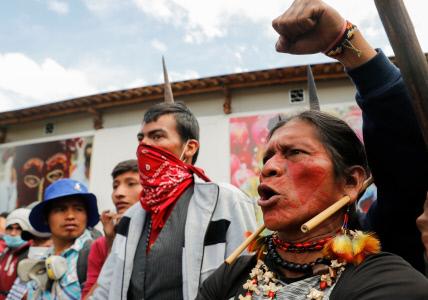 LOS INDIGENAS CONTINUAN MANIFESTANDOSE EN QUITO