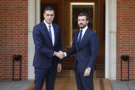PEDRO SANCHEZ Y PABLO CASADO SE REUNEN EN LA MONCLOA TRAS LOS DISTURBIOS POR LA SENTENCIA DEL PROCES
