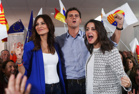 ALBERT RIVERA VISITA BARCELONA PESE A LOS DISTURBIOS EN LAS CALLES