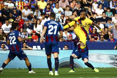 LA LIGA:  LA LIGA: PARTIDO DE LA DUODECIMA  JORNADA DE LIGA ENTRE EL LEVANTE UD Y EL FC BARCELONA