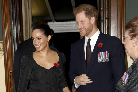 LA FAMILIA REAL BRITANICA ASISTE AL FESTIVAL DE REMEMBRANCE EN LONDRES