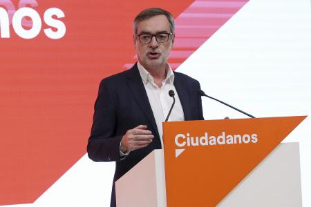 RUEDA DE PRENSA DE JOSE LUIS VILLEGAS DURANTE LA NOCHE ELECTORAL