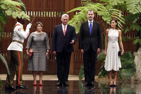 EL PRESIDENTE DE CUBA RECIBE CON UNA CEREMONIA DE BIENVENIDA A LOS REYES FELIPE VI Y LETIZIA EN LA HABANA