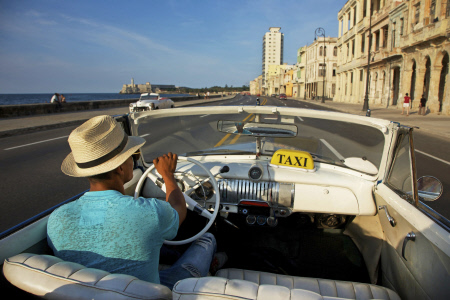 CUBA HACE SU REVOLUCION