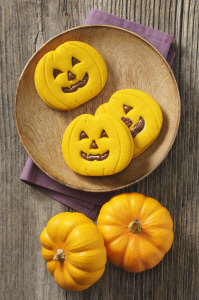 RECETA: GALLETAS DE HALLOWEEN RELLENAS DE CHOCOLATE