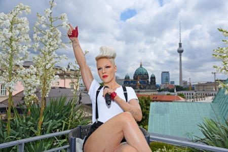FIGURA DE CERA DE LA CANTANTE PINK EN BERLIN