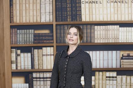 MARGOT ROBBIE Y OTRAS CELEBRITIES EN EL DESFILE DE CHANEL EN PARIS