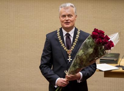 DALIA GRYBAUSKAITE EN EL ACTO COMO NUEVO PRESIDENTE DE LITUANIA