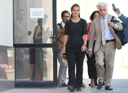 LA CAPITANA CAROLA RACKETE DE NUEVO ANTE LA JUSTICIA ITALIANA