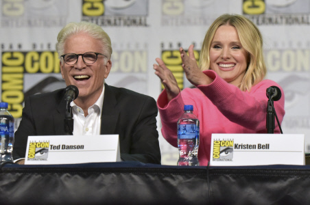 "EL REPARTO DE ""THE GOOD PLACE"" ASISTE A UNA RUEDA DE PRENSA EN LA COMIC CON"