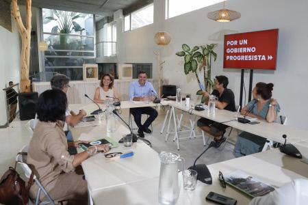 PEDRO SANCHEZ SE REUNE CON ASOCIACIONES ECOLOGISTAS