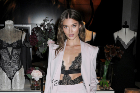 (SPLASH) ESPECTACULAR EL ANGEL DE VICTORIA GRACE ELIZABETH