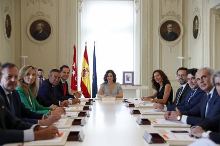 VICEPRESIDENTE DE LA COMUNIDAD DE MADRID Y CONSEJEROS JURAN SUS CARGOS