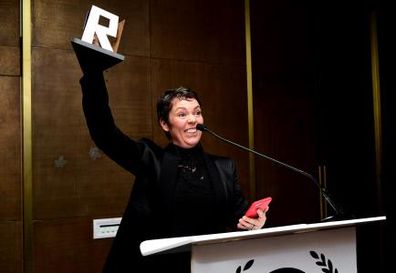 OLIVIA COLMAN RECIBE EL PREMIO RAINDANCE 2019 EN LONDRES