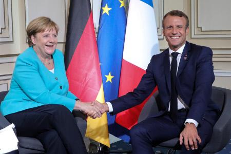 EL PRESIDENTE MACRON Y LA CANCILLER ANGELA MERKEL SE REUNEN EN LA CUMBRE DEL G7