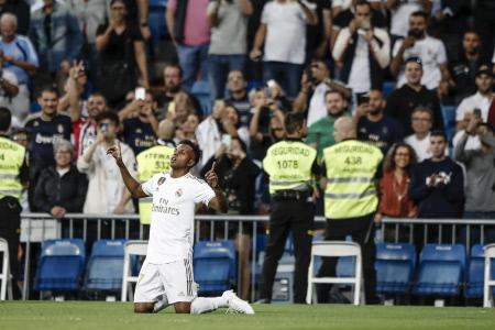 LA LIGA: REAL MADRID-OSASUNA (2-0)