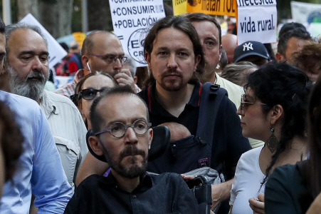PABLO IGLESIAS E IRENE MONTERO COINCIDEN CON IÑIGO ERREJON EN LA MANIFESTACION POR EL CAMBIO CLIMATICO