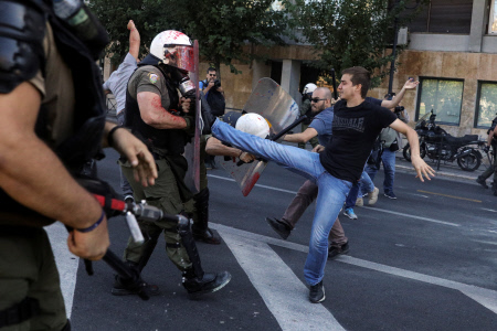PROTESTAS EN ATENAS CONTRA LA VISITA DE MIKE POMPEO