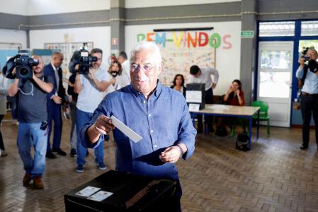 EL CANDIDATO ANTONIO COSTA ACUDE A VOTAR EN LAS ELECCIONES GENERALES DE PORTUGAL